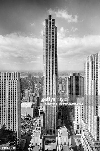1940s ROCKEFELLER CENTER RCA BUILDING with ASSOCIATED PRESS BUILDING IN FOREGROUND NEW YORK CITY USA