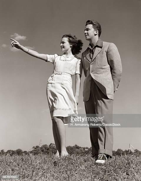 1940s TEENAGE COUPLE...