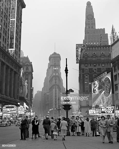 1940s TIMES SQUARE AT.