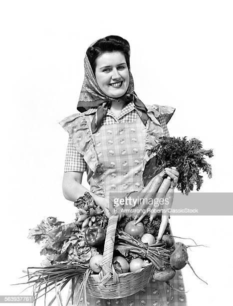 1940s WOMAN PORTRAIT AT...