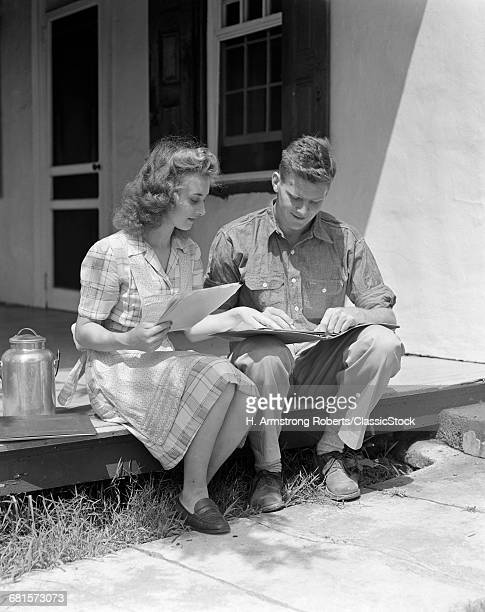 1940s YOUNG COUPLE MAN...