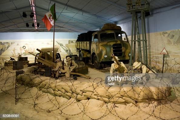 North African Campaign-Italian light artillery position ...