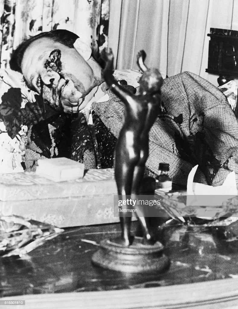 "Benjamin ""Bugsy"" Siegel's Dead Body : News Photo"