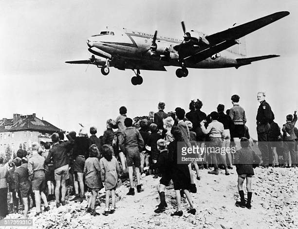 194849Berlin GermanyThe Berlin airlift brings supplies to the blockaded city of 2 1/2 million West Berliners Children eagerly wait for plane