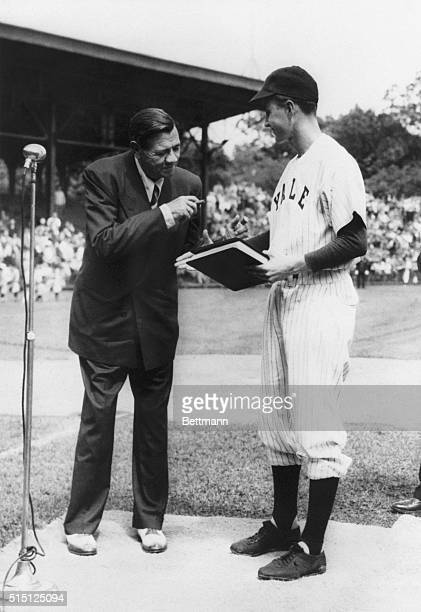 New Haven, CT- George Bush welcomes Babe Ruth at a pre-game ceremony in 1948 at the Yale University field. Bush, captain of the 1948 varsity baseball...