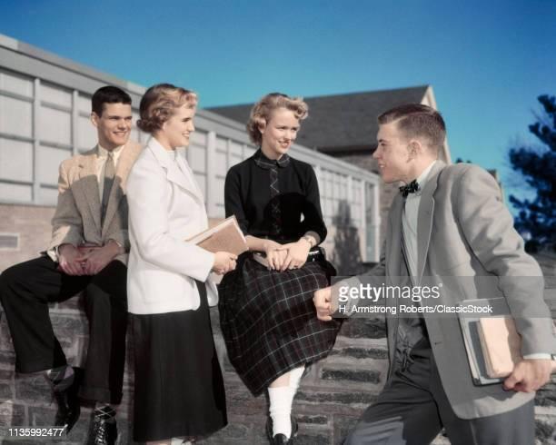 1950s 4 STUDENTS FEMALE...
