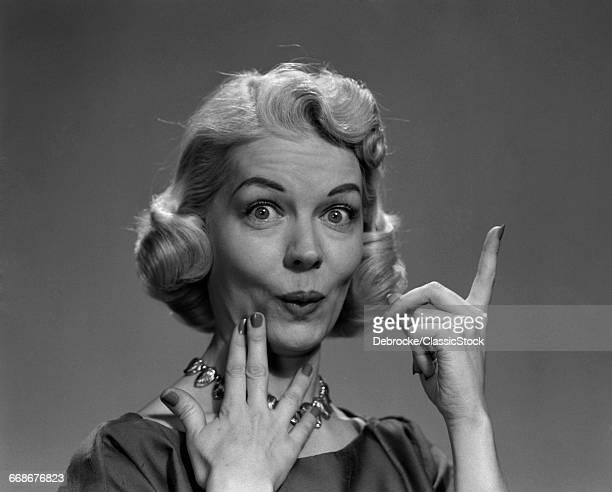 1950s BLOND WOMAN LIPS...
