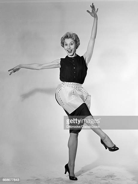 1950s BLONDE WOMAN IN...