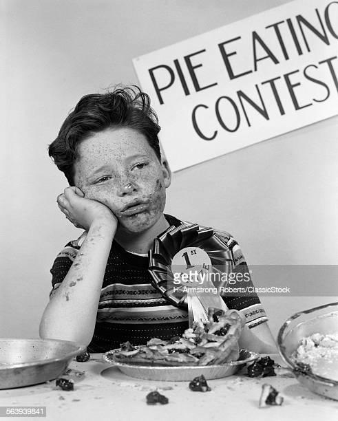 1950s BOY WINS 1ST PRIZE...
