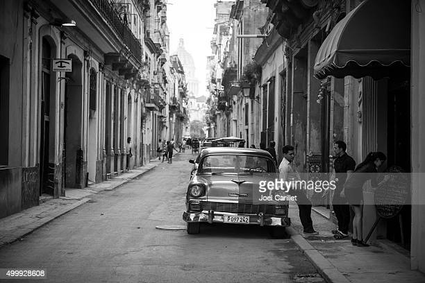 1950s chevy in havana, cuba - chevrolet stock pictures, royalty-free photos & images