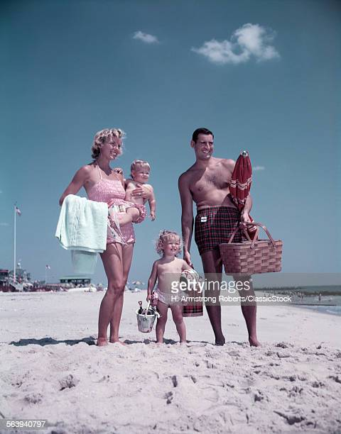 1950s FAMILY MAN WOMAN...