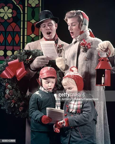 1950s FAMILY SINGING...