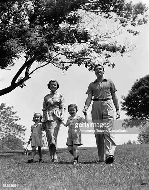 1950s HAPPYAMILY MOTHER...