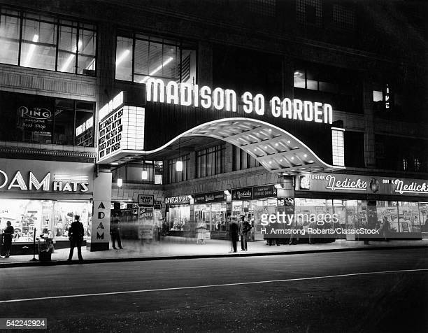 1950s MADISON SQUARE GARDEN MARQUEE NIGHT WEST 49TH STREET BILLING ICE CAPADES OF 1953 BUILDING DEMOLISHED 1968 NYC NY USA