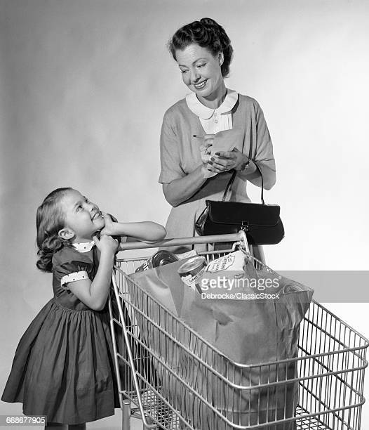 1950s MOTHER DAUGHTER WITH...