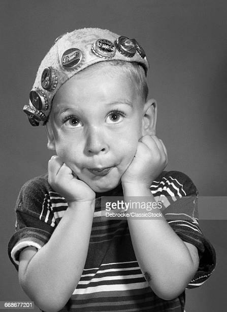 1950s PORTRAIT OF BOY...