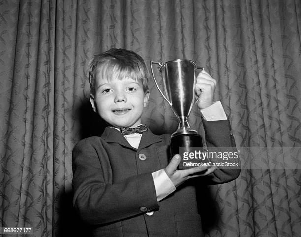 1950s SMILING PROUD BOY...