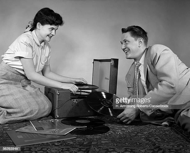 1950s TEEN COUPLE BOY GIRL...
