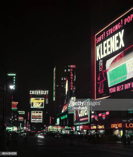 1950s TIMES SQUARE AT.