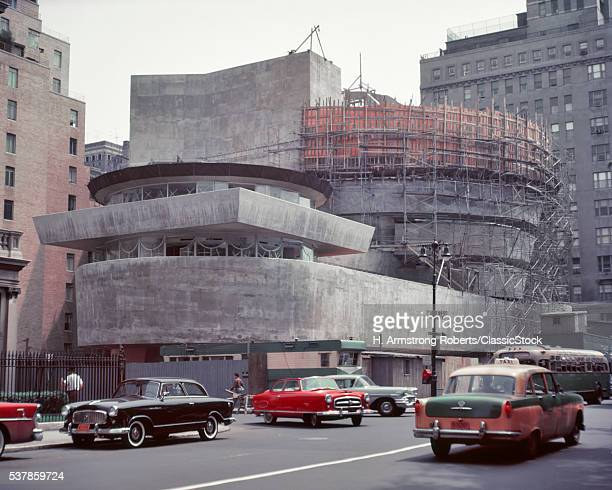 1950s UNFINISHED SOLOMON R GUGGENHEIM MUSEUM UNDER CONSTRUCTION FRANK LLOYD WRIGHT ARCHITECT ON FIFTH AVENUE MANHATTAN NYC USA