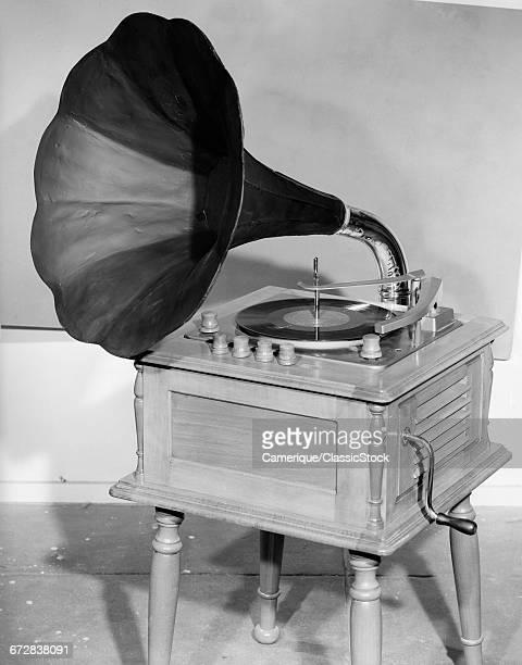 1950s VINTAGE GRAMOPHONE...
