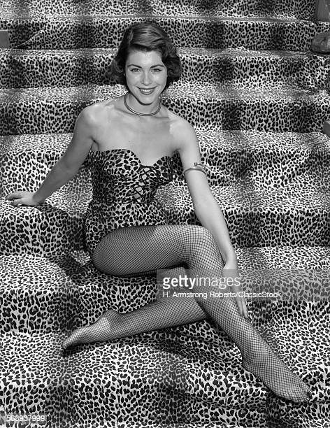 1950s WOMAN IN LEOPARD...