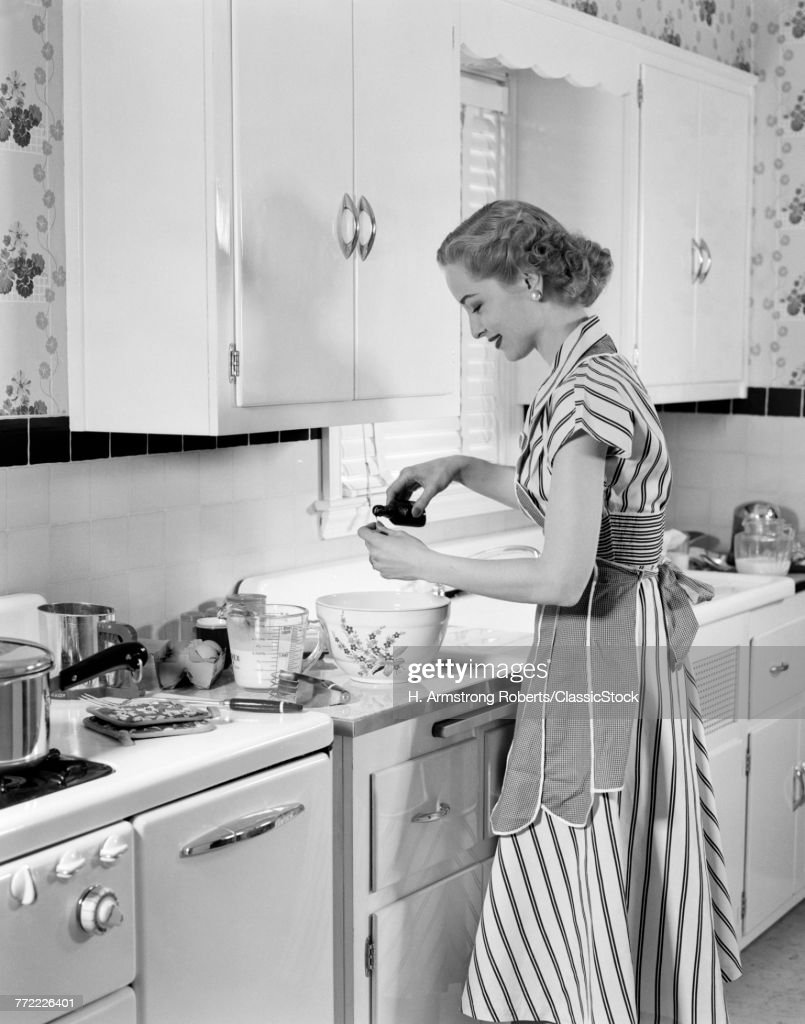 1950s Woman Kitchen Baking Stock Photo | Getty Images