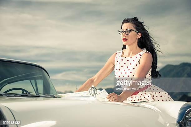 1950 er Frau reisen mit dem Auto