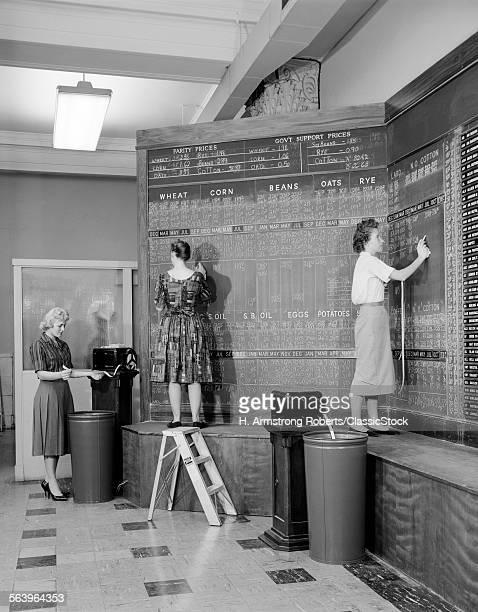 1960s 1950s WOMEN AT CHALK...