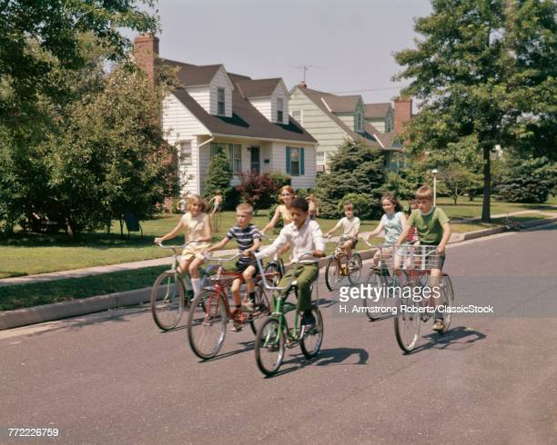 1960s 1970s GROUP OF 7...
