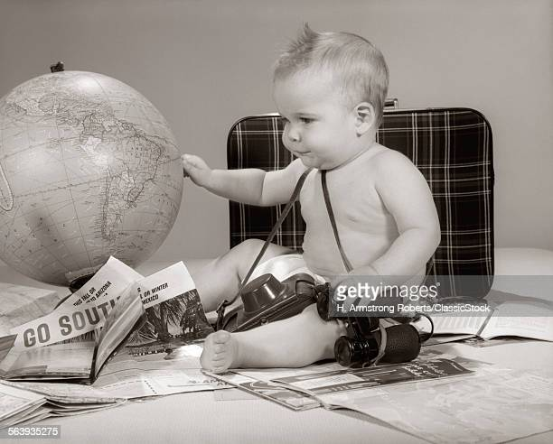 1960s BABY SEATED LOOKING...