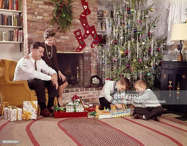 1960s FAMILY OF 4 IN...