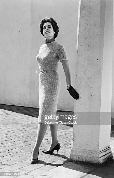 1960s FULL LENGTH PORTRAIT...