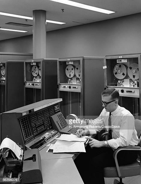 1960s MAN IN SHIRT & TIE &...