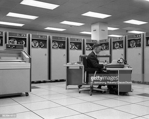 1960s MAN TECHNICIAN...