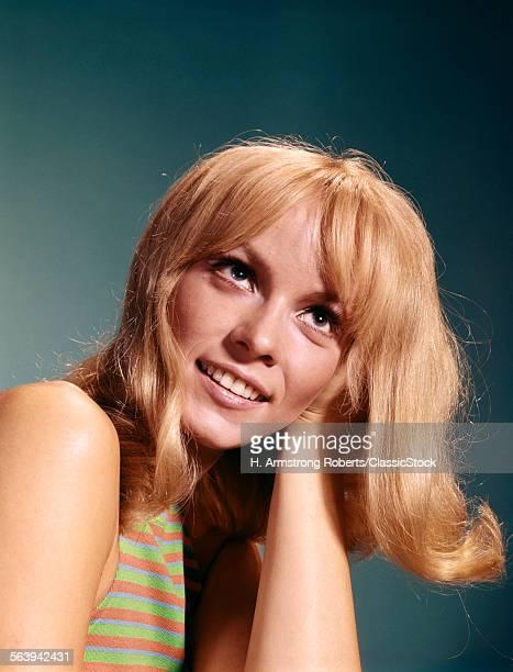 1960s PORTRAIT OF BLOND...