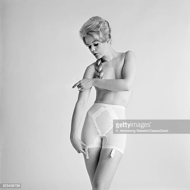 1960s PORTRAIT TOPLESS...