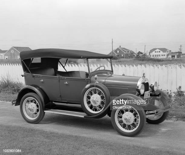 1960s SIDE VIEW OF 1929 MODEL A FORD PHAETON AUTOMOBILE - NO USE IN LIQUOR OR ALCOHOLIC BEVERAGE ADVERTISING
