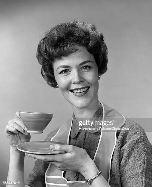1960s SMILING WOMAN...