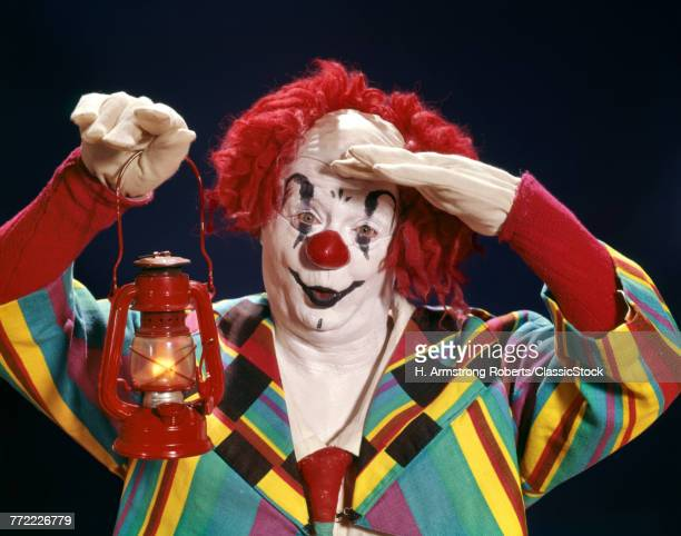 1960s WHITE FACE CLOWN IN...