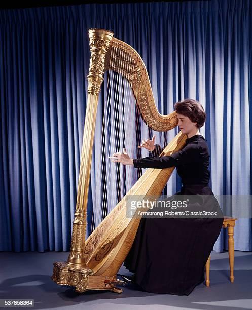 1960s WOMAN MUSICIAN...