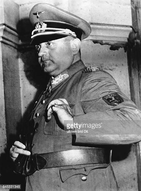 1895 1966General DStadtkommandant von Paris im IIWKPorträt 1944