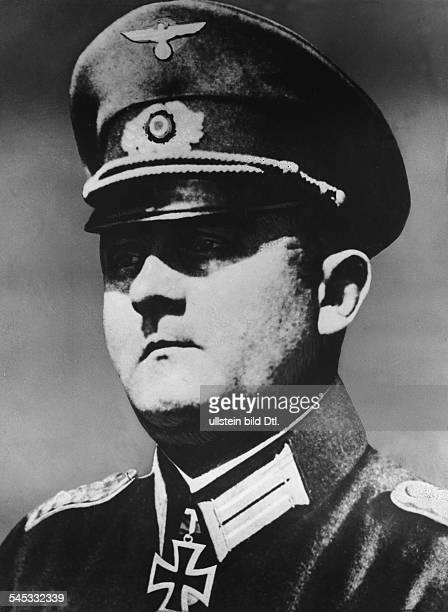 1895 1966Offizier DGeneral Stadtkommandant von Paris im2 WK Portrait 1940