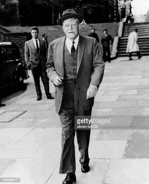 1893 1969Politiker USAChef der CIA 1953 1961Dulles auf dem Weg zum Aussenministeriumin LondonJuni 1960