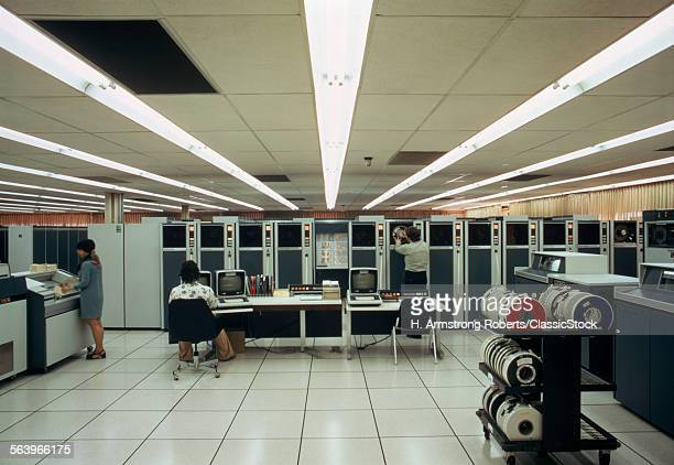 1970s ANTIQUATED COMPUTER ROOM MAIN FRAME AND TAPE DRIVES