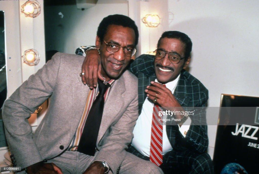 Bill Cosby and Sammy Davis Jr. : News Photo