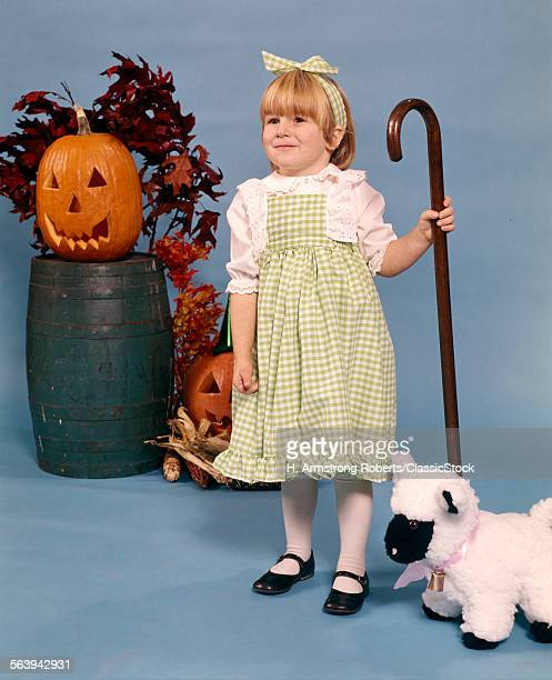 1970s BLOND GIRL COSTUME MARY LITTLE LAMB GREEN GINGHAM DRESS HALLOWEEN PUMPKIN
