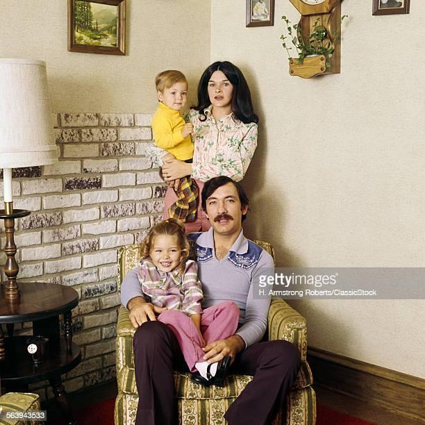 1970s FAMILY PORTRAIT...
