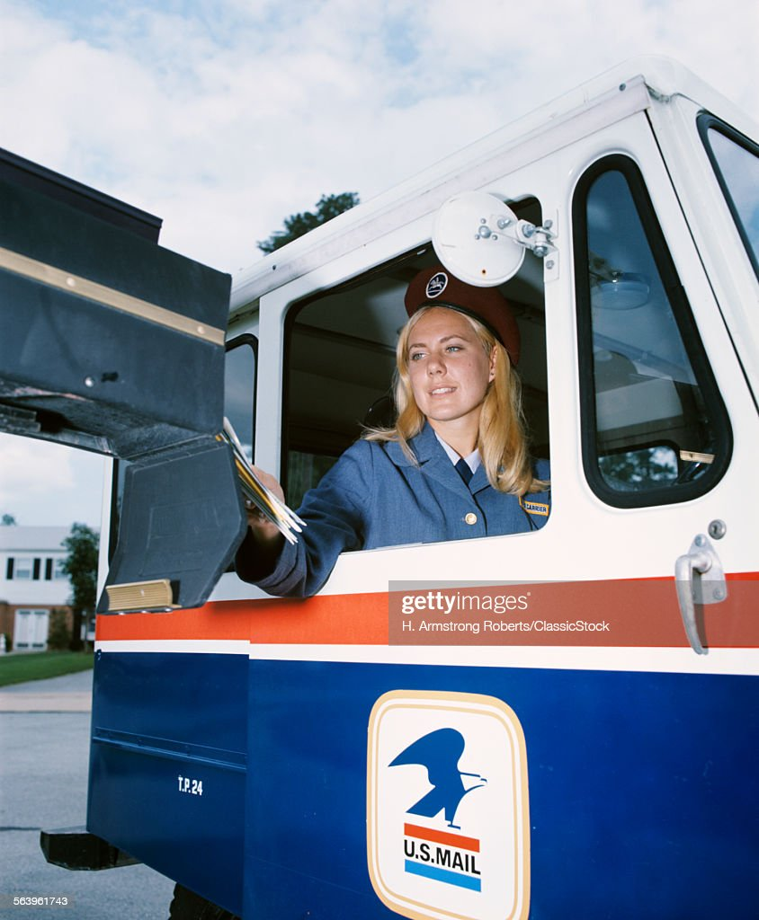 1970s FEMALE MAIL CARRIER... : News Photo