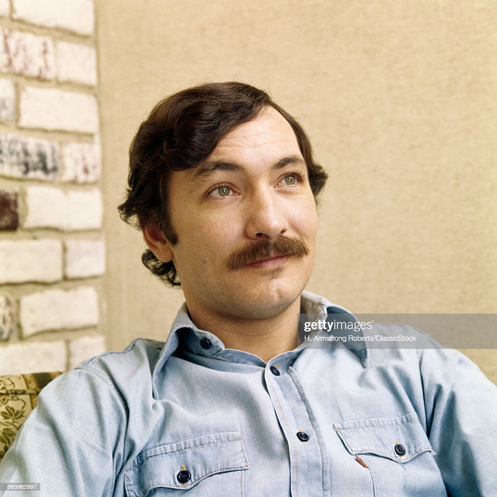 1970s PORTRAIT MAN WITH... : News Photo